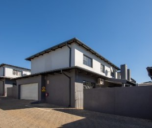 R 1,300,000 - 3 Bed Property For Sale in Cashan