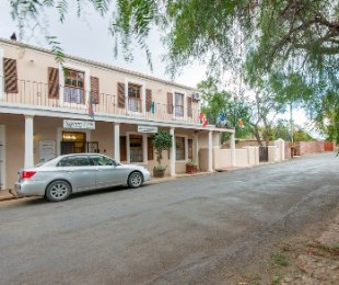 R 2,750,000 - 5 Bed House For Sale in Calitzdorp