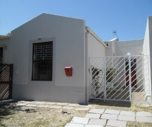 R 13,500 - 3 Bed House To Rent in Sunningdale