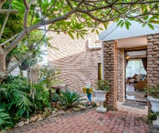 R 1,890,000 - 5 Bed House For Sale in Dana Bay