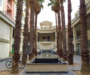R 1,250,000 - 1 Bed Flat For Sale in Cape Town - City Bowl