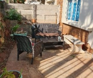 R 780,000 - 2 Bed Apartment For Sale in Glenwood