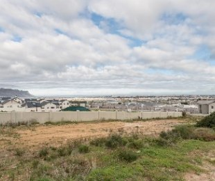 R 995,000 -  Plot For Sale in Dennegeur