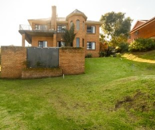 R 2,970,000 - 5 Bed Home For Sale in Groot Brakrivier