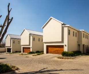 R 2,700,000 - 3 Bed Home For Sale in Kensington B