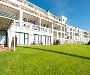 R 1,890,000 - 2 Bed Flat For Sale in Mossel Bay