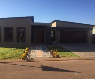 R 1,500,000 - 3 Bed Property For Sale in Orchards
