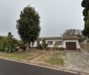 R 1,699,000 - 3 Bed House For Sale in Protea Heights