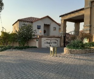 R 13,000 - 3 Bed Property To Rent in North Riding