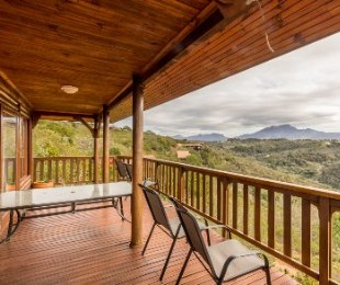 R 2,135,000 - 3 Bed House For Sale in Ballots Bay
