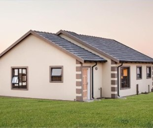 R 695,000 - 2 Bed House For Sale in Rosslyn