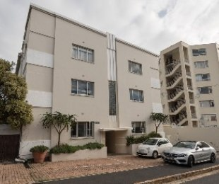 R 3,650,000 - 3 Bed Farm For Sale in Sea Point