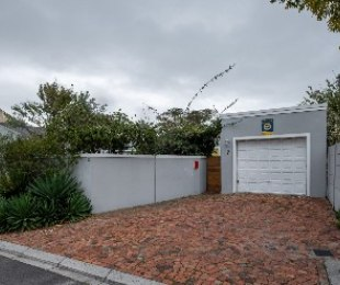 R 1,980,000 - 2 Bed Property For Sale in Milnerton Ridge