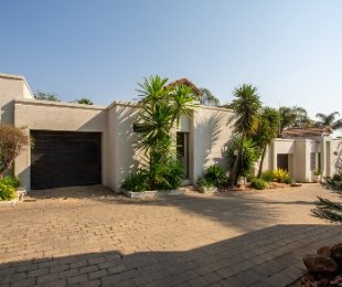 R 2,300,000 - 2 Bed Home For Sale in Morningside