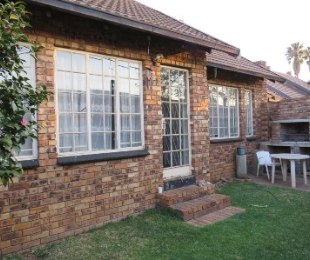 R 650,000 - 2 Bed House For Sale in Silverton