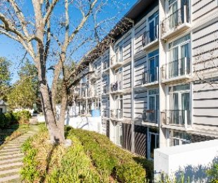 R 1,620,000 - 1 Bed Flat For Sale in Universiteits-Oord