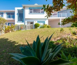 R 3,550,000 - 5 Bed House For Sale in Lower Robberg