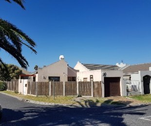 R 1,995,000 - 3 Bed Home For Sale in Kirstenhof