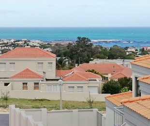 R 3,600 - 1 Bed Flat To Let in Onrusrivier