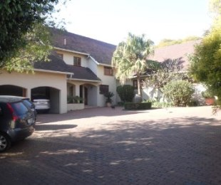 R 15,000,000 - 7 Bed Home For Sale in Benmore