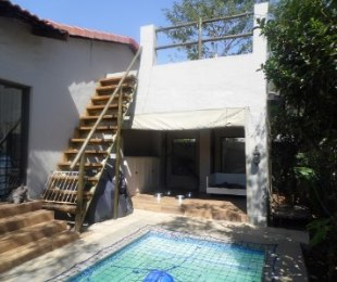 R 2,350,000 - 3 Bed House For Sale in Fourways