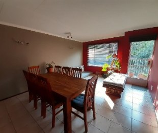 R 6,800 - 2 Bed Apartment To Let in Northcliff