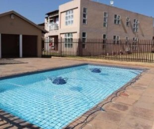R 5,500 - 2 Bed Property To Let in Mondeor