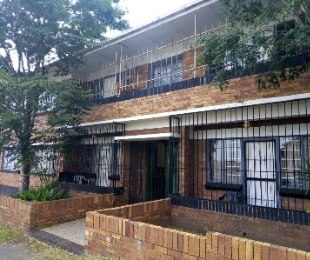 R 1,600,000 - 2 Bed Apartment For Sale in Kenilworth