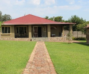 R 5,400,000 - 10 Bed Farm For Sale in Marister