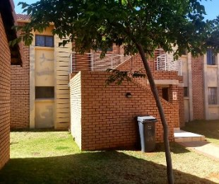 R 700,000 - 2 Bed Flat For Sale in Midrand