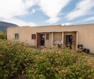 R 900,000 -  Commercial Property For Sale in Greyton