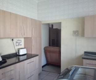 R 12,000 - 3 Bed House To Rent in Yellowwood Park
