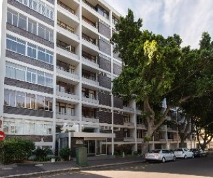 R 1,525,000 - 1 Bed Flat For Sale in Cape Town - City Bowl