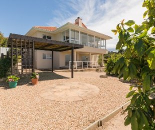 R 4,900,000 - 4 Bed House For Sale in Whale Rock