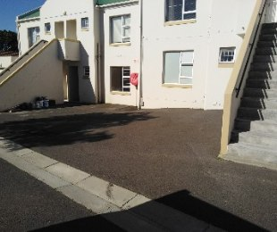 R 8,000 - 1 Bed Flat To Rent in Table View