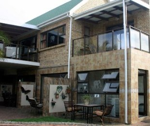 R 3,900,000 - 9 Bed Home For Sale in Hartenbos Heuwels