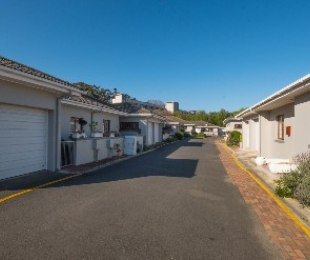 R 8,400 - 2 Bed Home To Rent in Stellenbosch Central