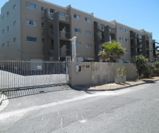 R 9,800 - 2 Bed Flat To Rent in West Beach