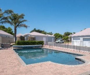 R 1,279,000 - 2 Bed Property For Sale in Goedemoed