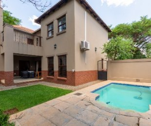 R 3,350,000 - 3 Bed House For Sale in Menlo Park
