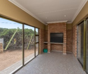R 2,180,000 - 3 Bed Property For Sale in Reebok