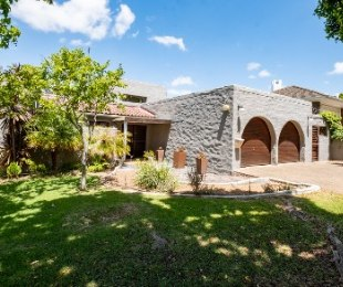 R 2,950,000 - 3 Bed Property For Sale in Aurora