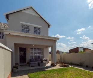 R 1,850,000 - 3 Bed House For Sale in Fourways