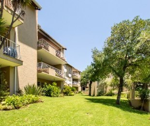 R 1,590,000 - 2 Bed Apartment For Sale in Atholl