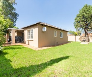 R 1,190,000 - 3 Bed House For Sale in Honeydew