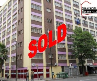 R 225,000 - 1 Bed Apartment For Sale in Durban Central