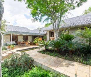 R 6,490,000 - 4 Bed House For Sale in Bryanston
