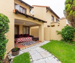 R 2,100,000 - 3 Bed Property For Sale in Craigavon