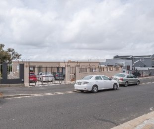 R 6,500 - 6 Bed Home To Rent in Walmer Estate