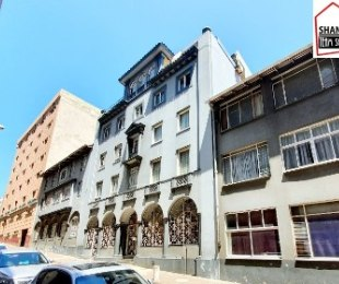 R 200,000 - 1 Bed Apartment For Sale in South Beach